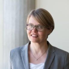 Christine Legner